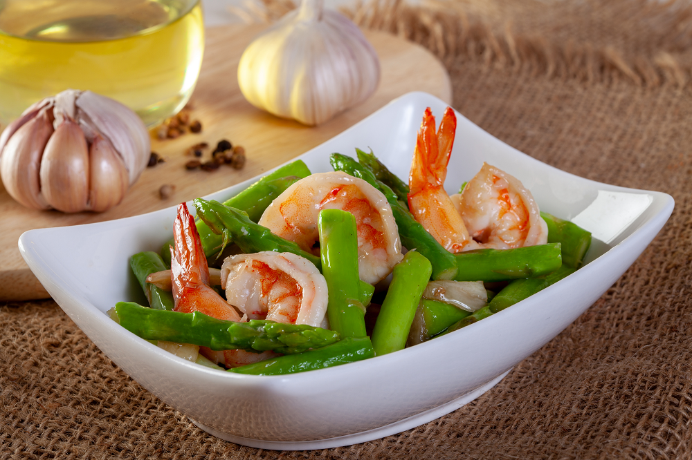 Prawns with Chickpeas with Seasoned Asparagus