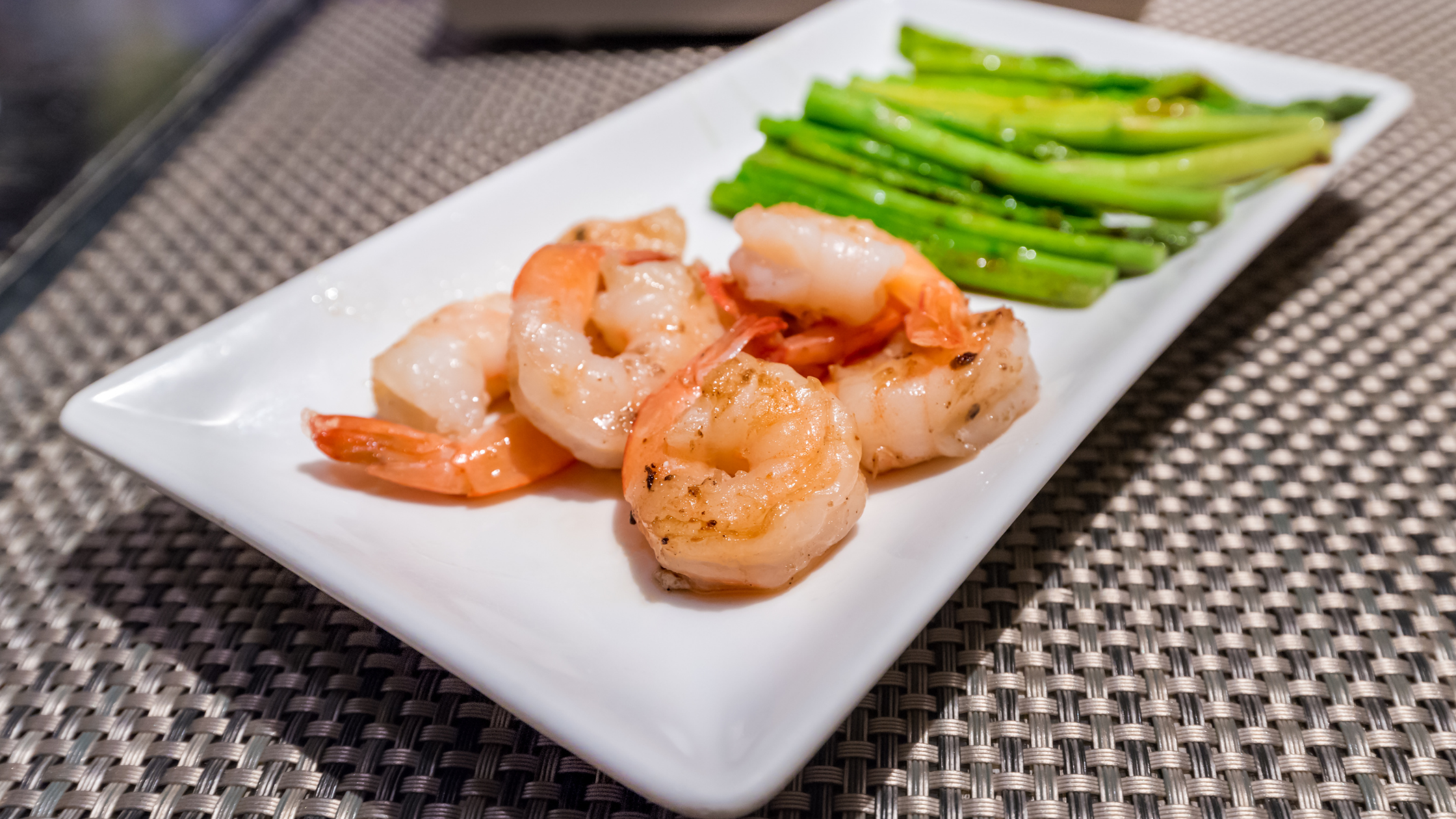 Prawns with Chickpeas and Seasoned Asparagus