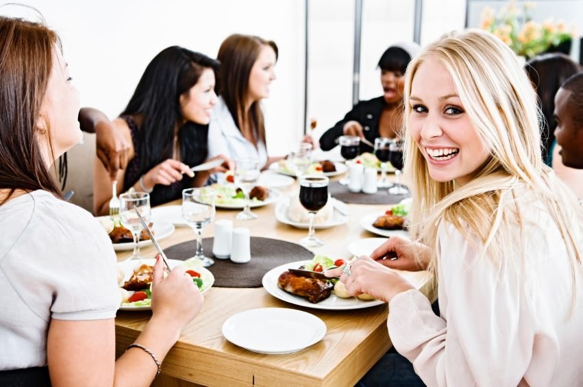 11 Tips To Stay On Track When Dining Out