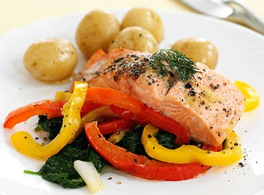 Baked Salmon with Leeks and Peppers