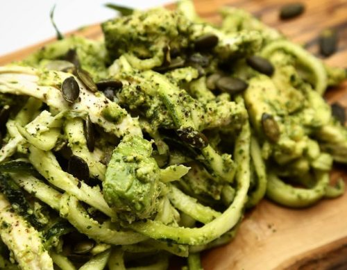 Courgetti with chicken and pesto