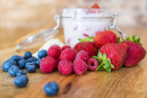 Overnight Oats With Summer Fruits