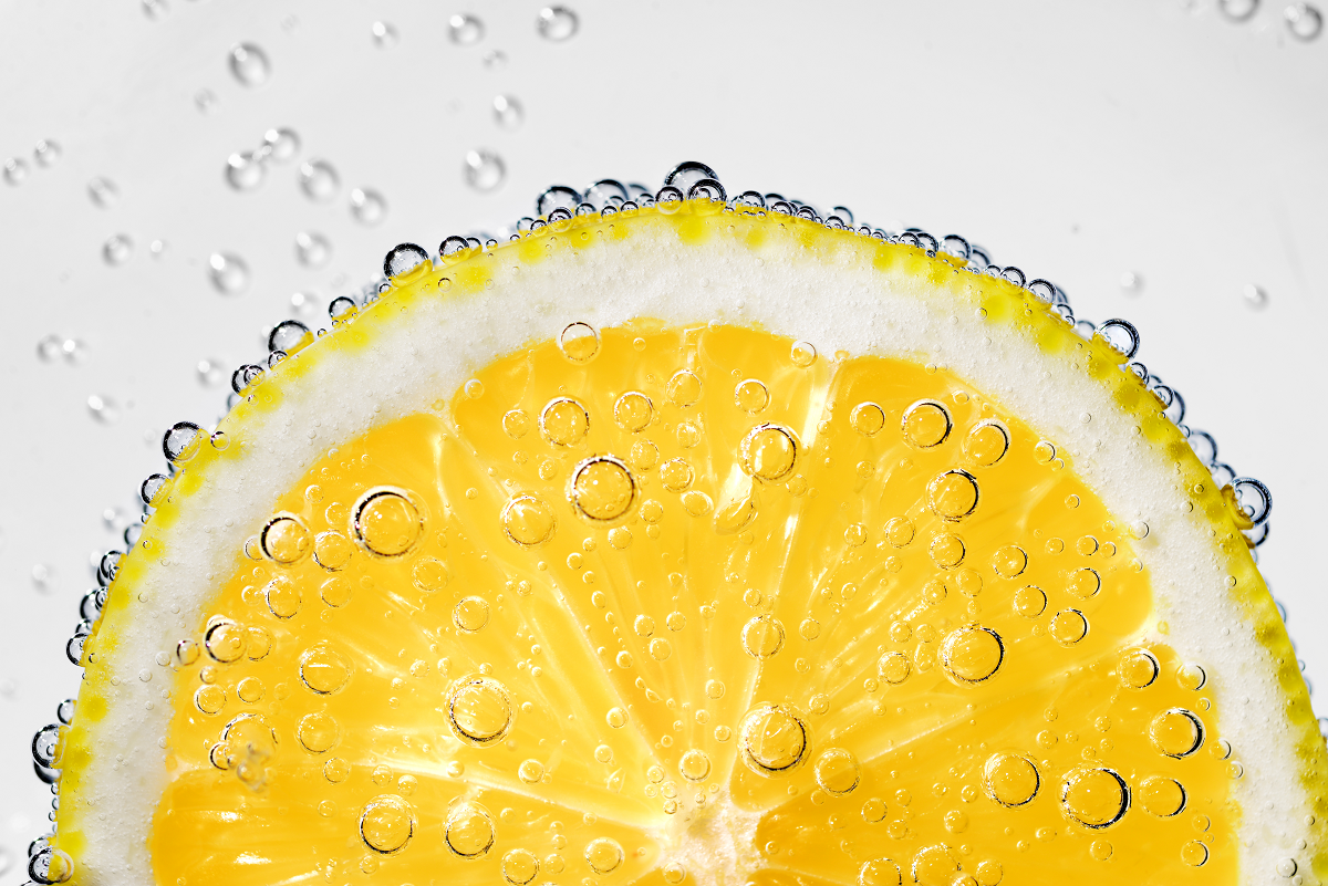 7 Brilliant Health Benefits of Drinking Lemon Water